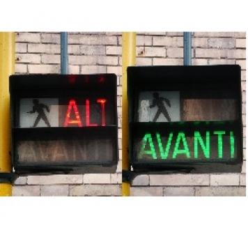 SEMAFORO ALT/AVANTI CON PRED.CITOF.